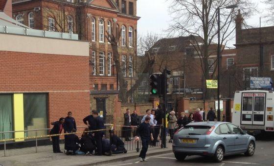 Hier wurde gerade ein Passant aus Spaß mit einem Feuerlöscher attackiert - trotz nahezu flächendeckender Videoüberwachung auf Londons Straßen kein Einzelfall. (Foto: Burgdorf)